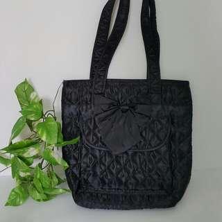 【黑皮GO】曼谷造型黑色尖背包/蝴蝶結黑色提包
