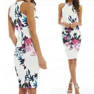 E flowery slim dress