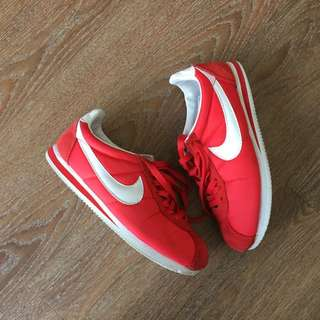 Price Dropped ‼️Nike Cortez 🔴