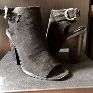 Black High Heels Shoes With Open Toe