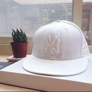 New Era ( White)/hat/baseball