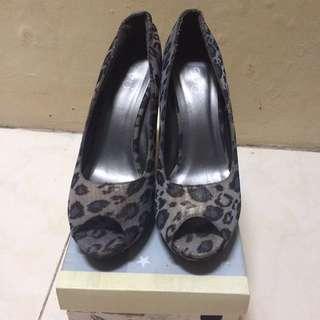 EVB - Leopard Grey Heels