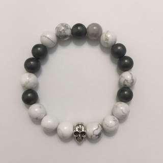 Men's Gray/White Stretch Bracelet With Skull Accent