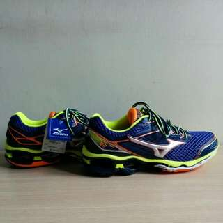 全新美津濃 Mizuno Wave Creation 18