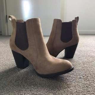 Brown Heeled Boots - Lipstick