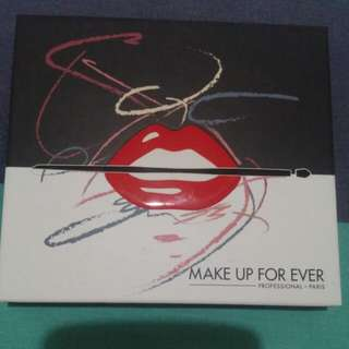 Make Up For Ever - Artist Shadow Palette