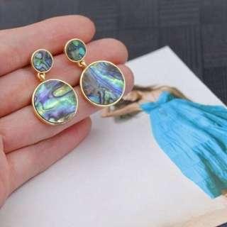 🔍超美孔雀綠貝殼幾何耳環