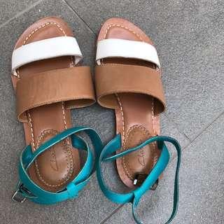 Preloved Clarks Sandals