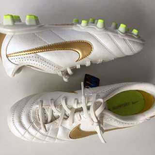 New Nike Football Boots EU36