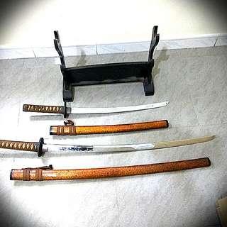 長,短日本刀擺設