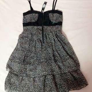 Dress leopard
