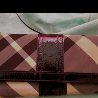 Authentic Wallet Burberry...
