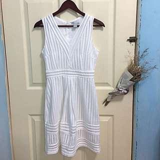 法國H&M帶回來深V蕾絲純白洋裝