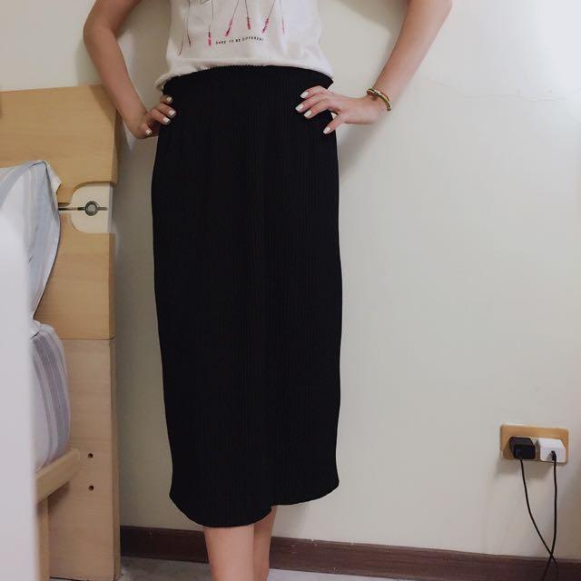 黑色百褶裙、洋裝