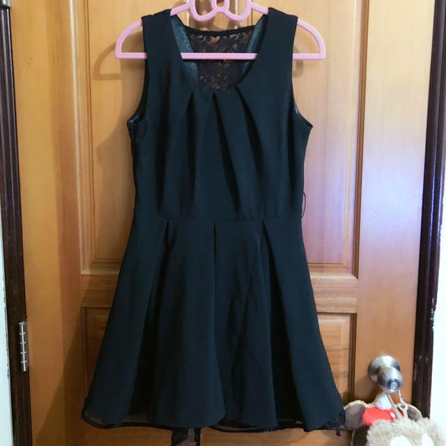 女神款 背後蕾絲 西裝布料 澎裙洋裝小禮服