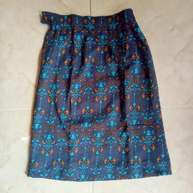 Aztec Print Pencil Skirt #skirtsbelow300
