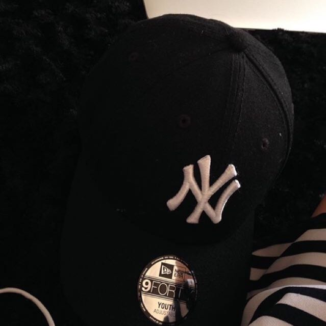 black NY Yankees Hat