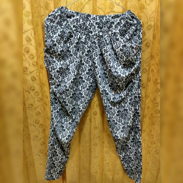 Celana Panjang Motif Model Lagging