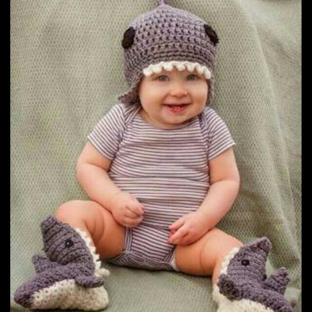 86a64a713f0 Crochet Baby Shark Set Of Hat And Socks