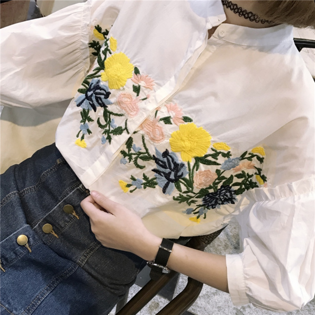 Embroidered Top With 3/4 Sleeves