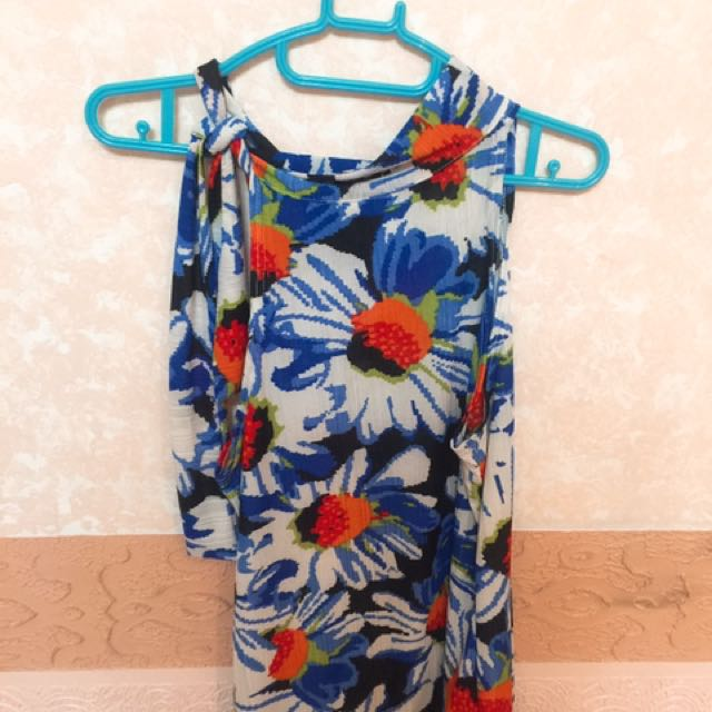 floral printed halter with ribbon tie