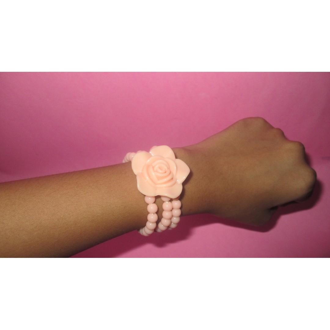 Gelang bunga warna baby Pink