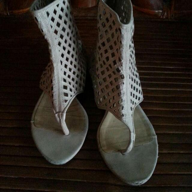 High cut Flat Sandals