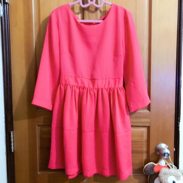 H&M滑布洋裝