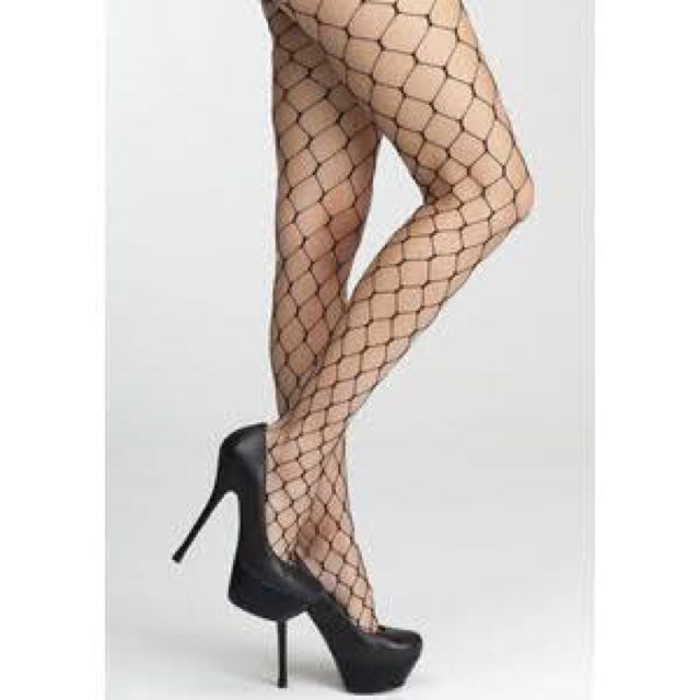 NEVER WORN WIDE FISHNETS