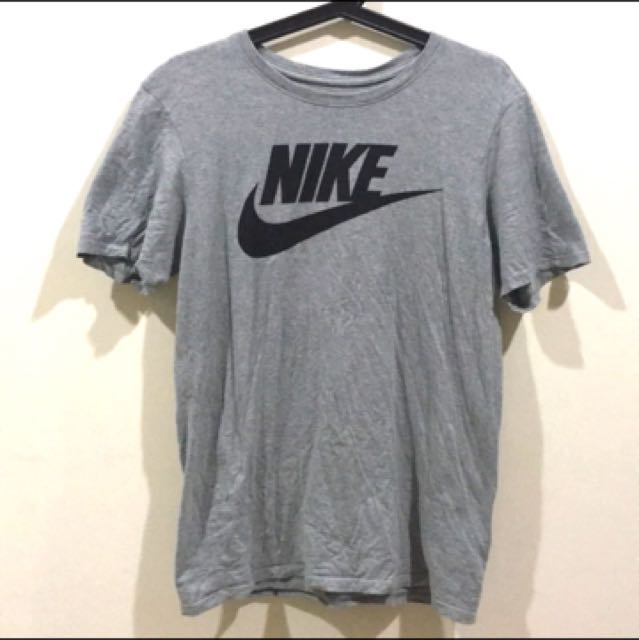 Nike Logo灰上衣