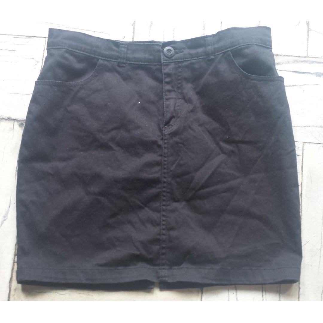 PAZZO Short Pencil Cut Skirt