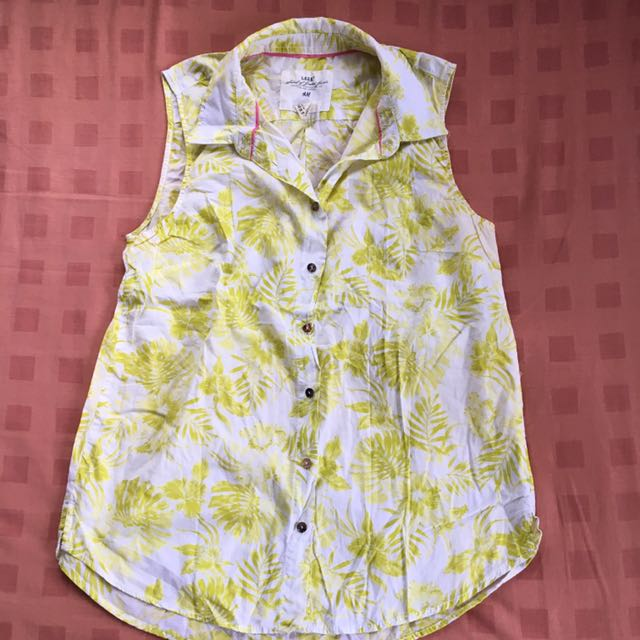 Pre-loved H&M Printed Sleeveless Shirt
