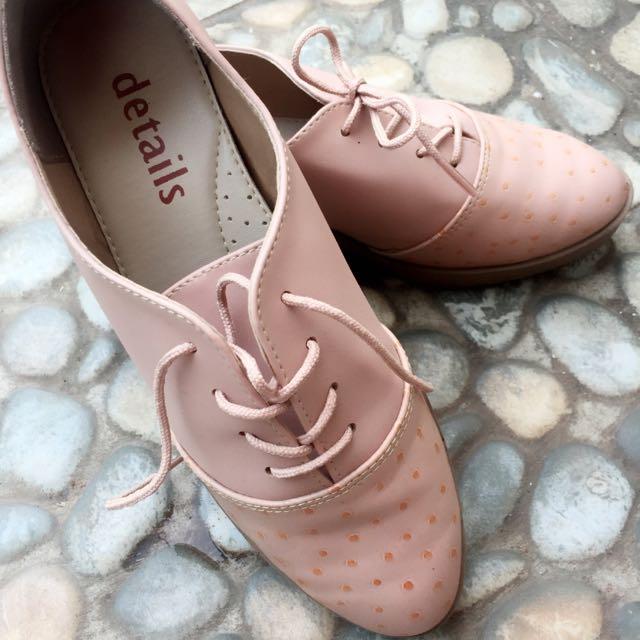 Sepatu semi Docmart