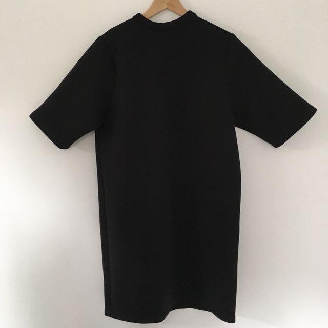 Spongey Black T-Shirt Dress / Size S / Brand: Oak + Fort
