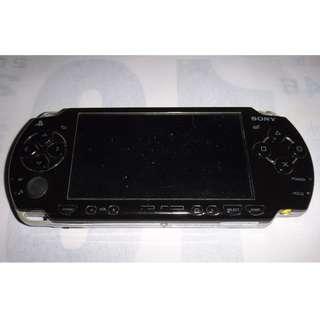 PSP 2007 出清賣只要1300元 (不會玩 買錯了)