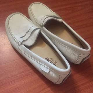 Pader White Loafers