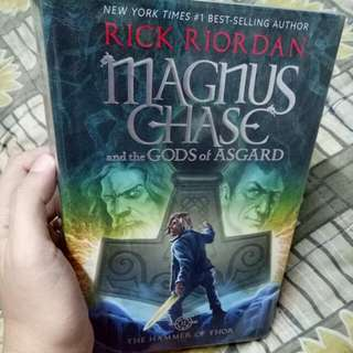 Halo books carousell philippines magnus chase and the gods of asgard book 2 hammer of thor fandeluxe Choice Image