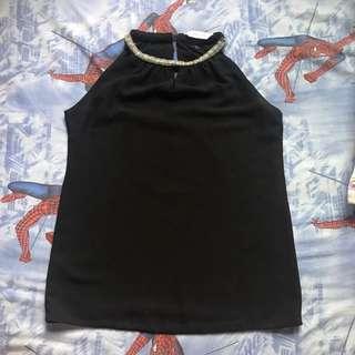 black tanktop