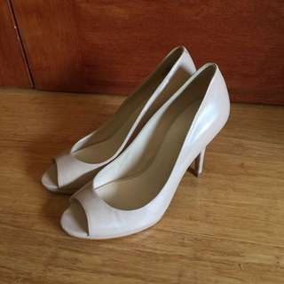 NINE WEST NUDE HEELS SIZE 7