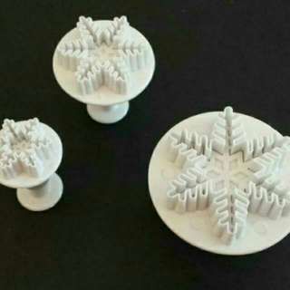 3pc Snowflakes Fondant  Plunger Cutter
