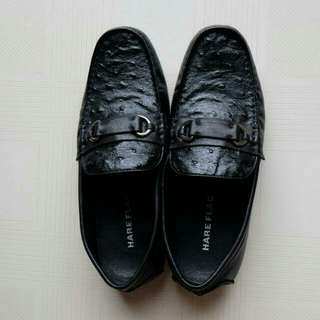 Sepatu Hareflag