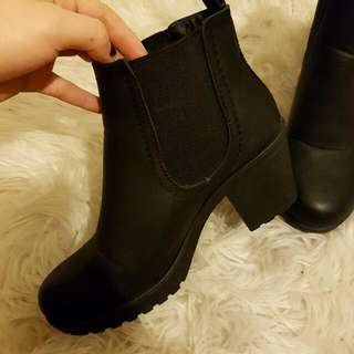 Size 6 Boots