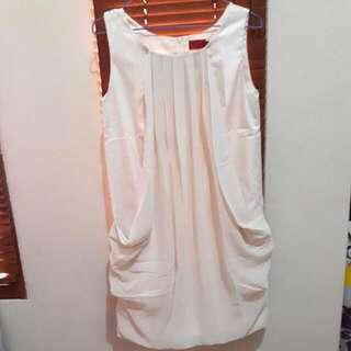 ELLE's Mini Dress Cream