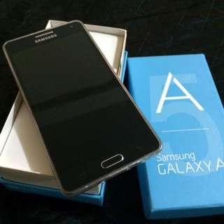 Samsung A5 2015 2g/16g 九成新 功能全正常 含運