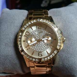 Guess Watch For Women Used But Not Abuse Orig And Complete Accessories With Warranty Card. Call Or Txt  09568518040