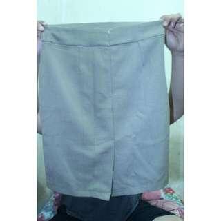 rok kantoran warna krem