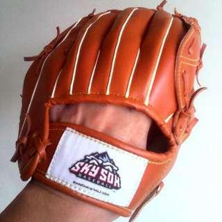 Baseball Glove / Mit Sky Sox