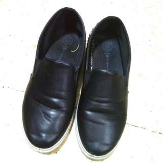 [REPRICE] Slip-on Shoes