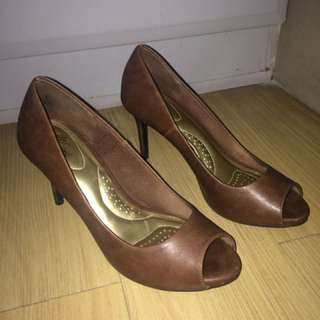 Comfy Peeptoe Shoes Size 7.5