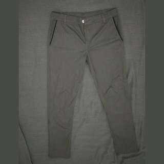 Celana Chino Grey